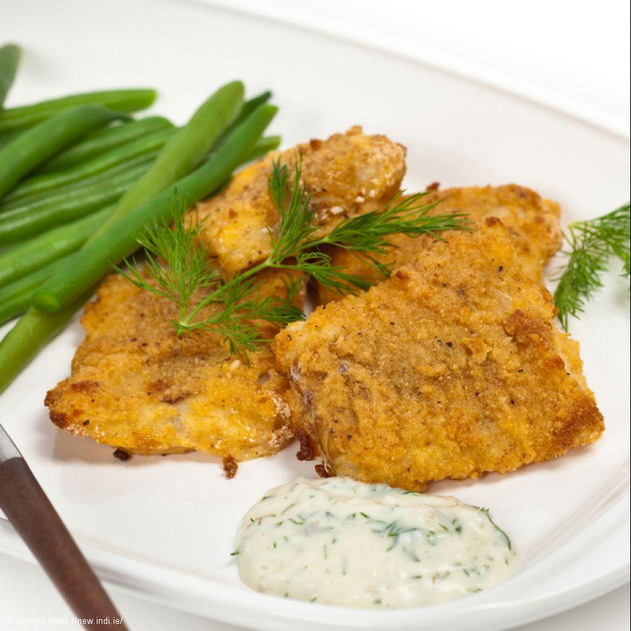 Baked cod in breadcrumbs with lemon and olive oil